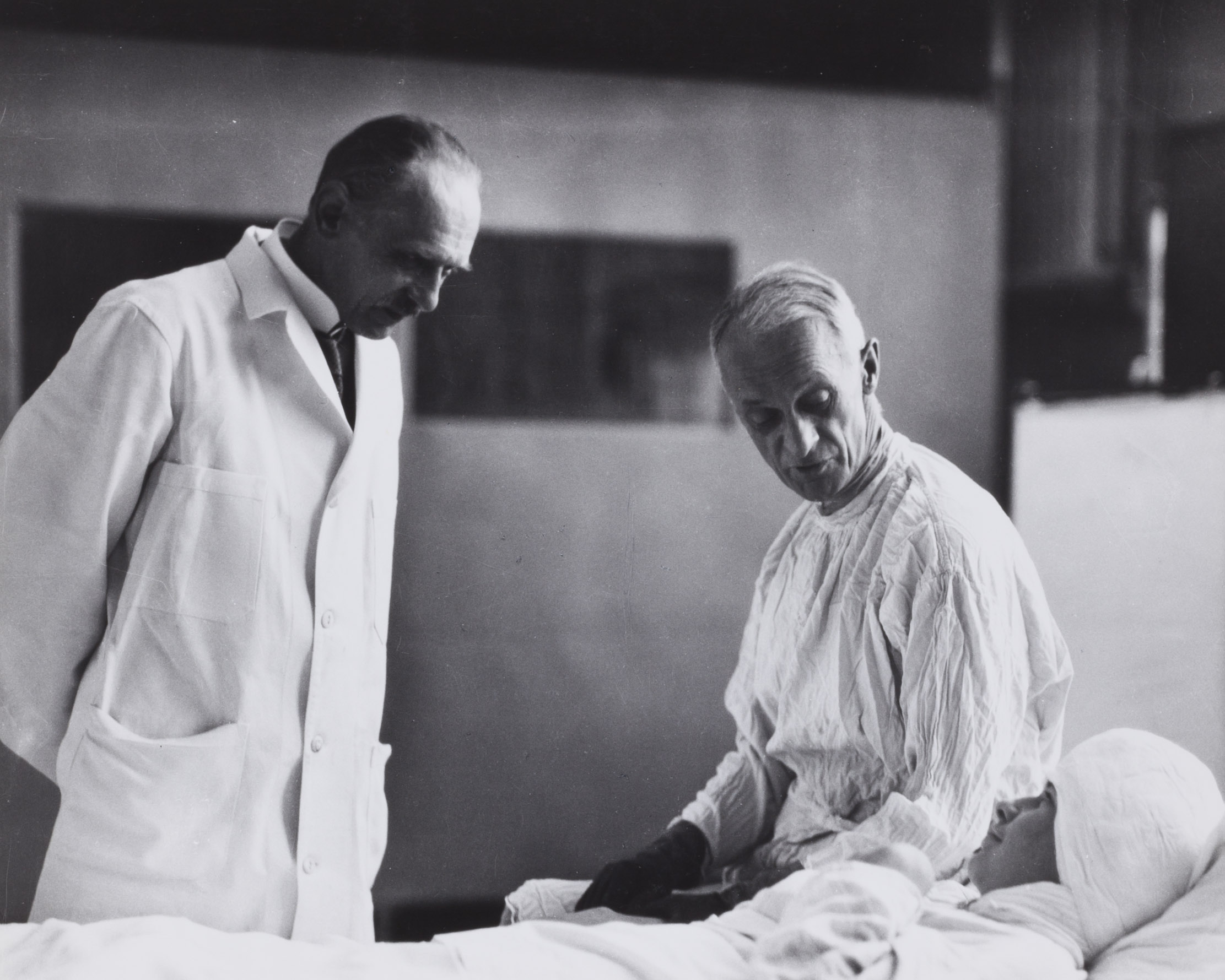 Dr. Harvey Cushing with patient